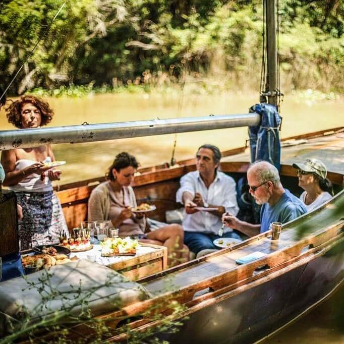 comer en el barco